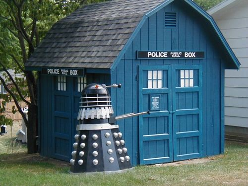Tardis shed and guard dalek